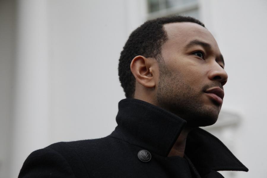 John Legend coveruje Sinatrę w dokumencie