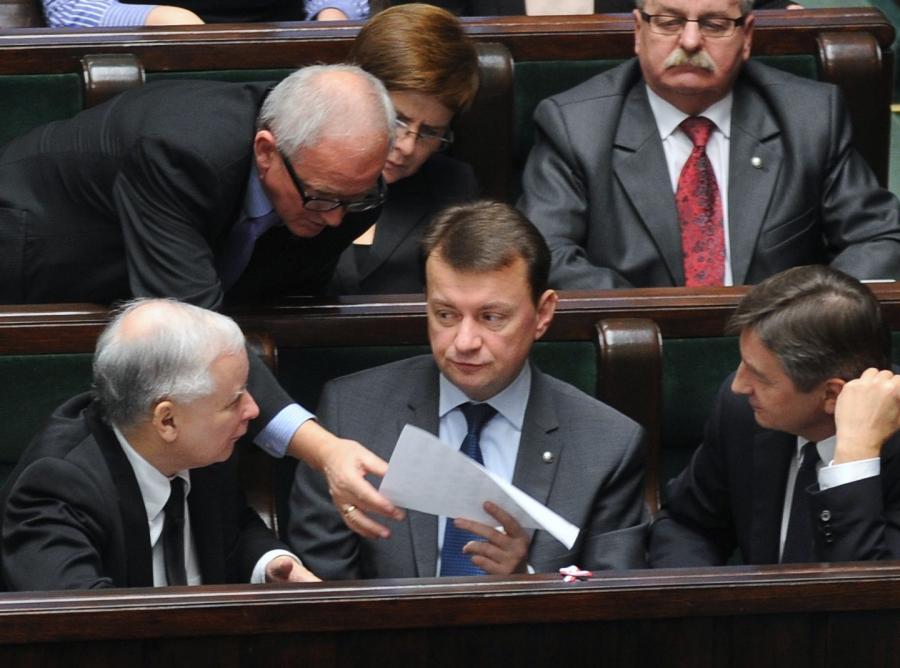 Posłowie PiS wnioskują o przełożenie debaty. Chcą iść na pogrzeb Jadwigi Kaczyńskiej
