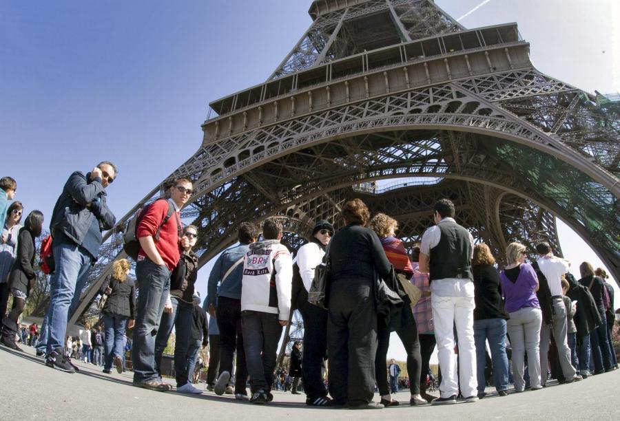 Turystów  odstrasza ich nieuprzejmość i arogancja mieszkańców stolicy Francji