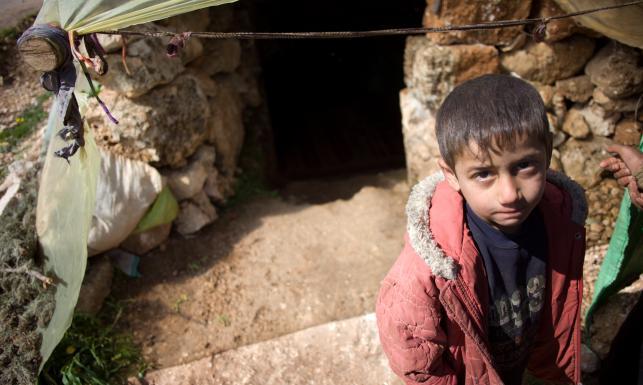 Życie w jaskini i żal do świata. ZDJĘCIA PAH z Syrii