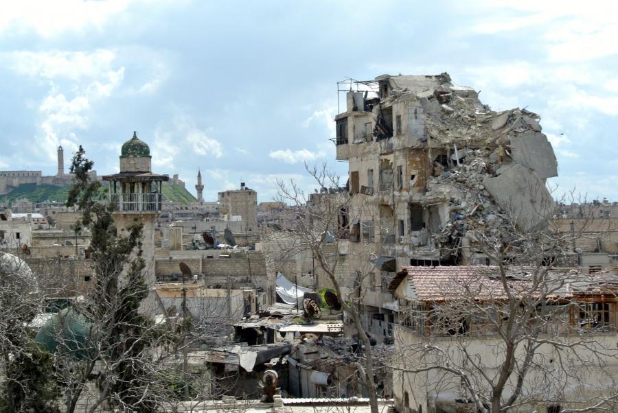 Zniszczone domy w syryjskim mieście Aleppo