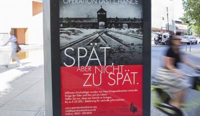 Plakaty zachęcające do ścigania hitlerowskich zbrodniarzy