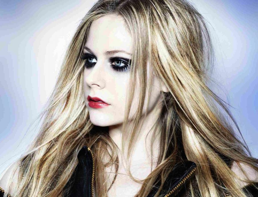 Avril Lavigne ratuje świat jako Tank Girl
