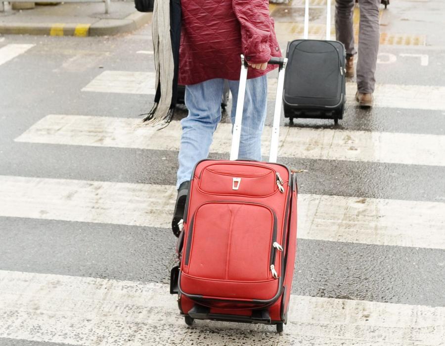 Ludzie z walizkami