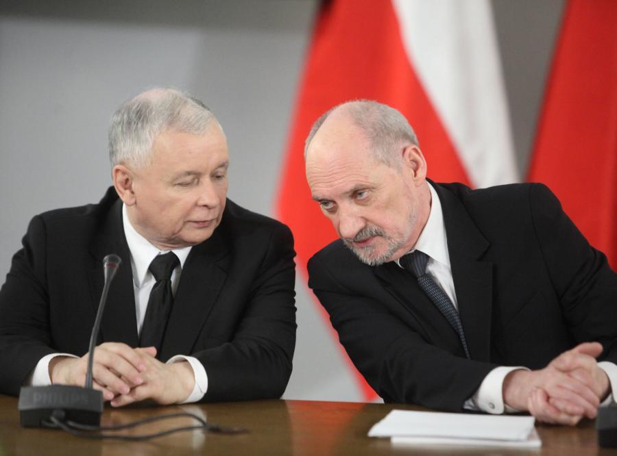 Znalezione obrazy dla zapytania kaczyński i macierewicz
