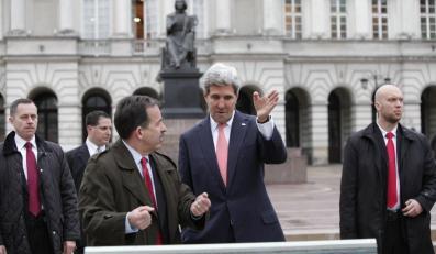 John Kerry obiera kierunek. Od pomnika Kopernika do Placu Zamkowego