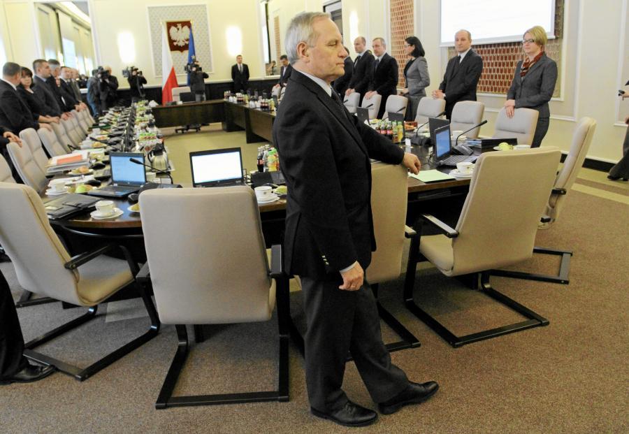 Szef BBN gen. Stanisław Koziej na posiedzeniu rządu