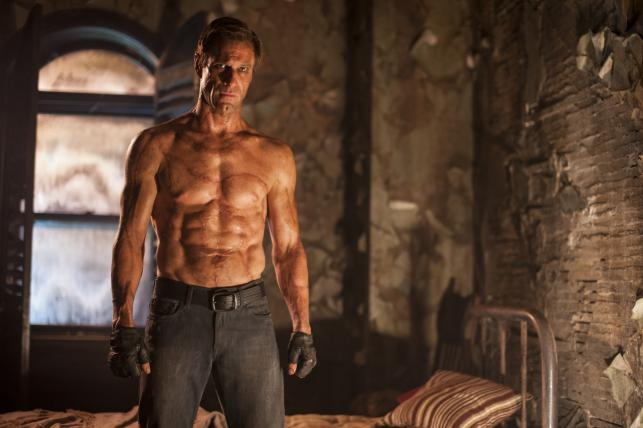 "Aaron Eckhart w filmie ""Ja, Frankenstein"""