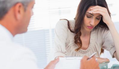 Chora kobieta u lekarza