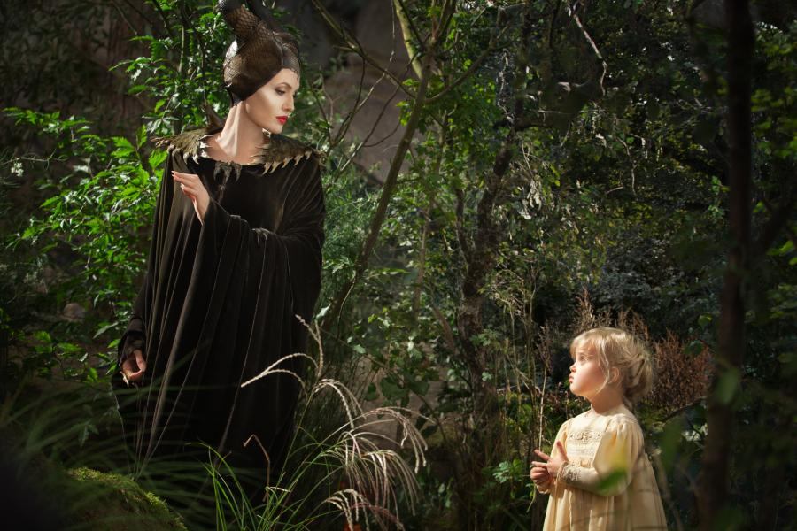Angelina Jolie z córką Vivienne Jolie-Pitt w scenie z filmu \