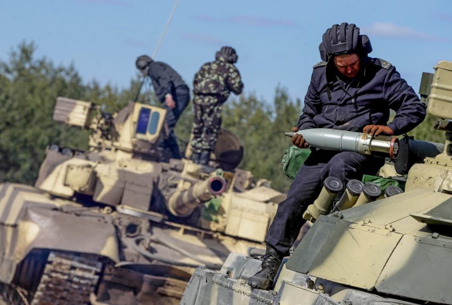 Ukraińscy żołnierze ćwiczą niedaleko Kijowa