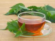 Nie tylko na lepsze trawienie. Zdrowa herbata z pokrzywy