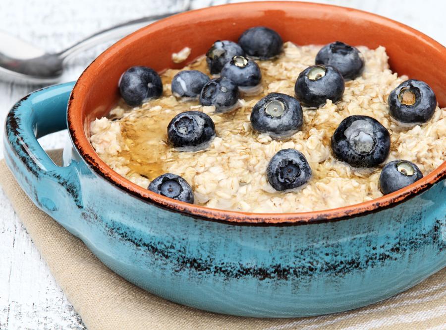 8 rano – śniadanie: owsianka
