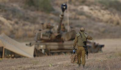 Izraelskie czołgi i artyleria na granicy ze Strefą Gazy