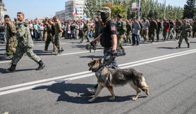 Pochód jeńców ukraińskich w Doniecku