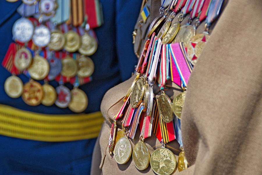 Medale na mundurach werteranów II wojny światowej