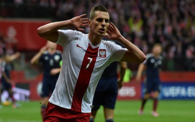 Klub, który wychował Milika nie dostał pieniędzy za transfer nowego bohatera Polaków