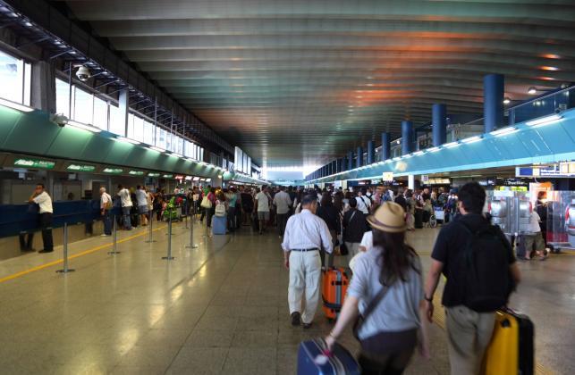 NR 10 NA LIŚCIE: Port lotniczy Rome Fiumicino we Włoszech
