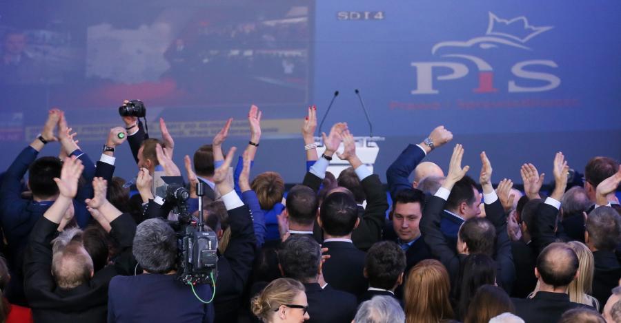 Radość w sztabie wyborczym PiS