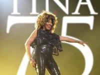 Babcia rocka, jedyna taka Tina Turner świętuje 75 urodziny! [ZDJĘCIA]
