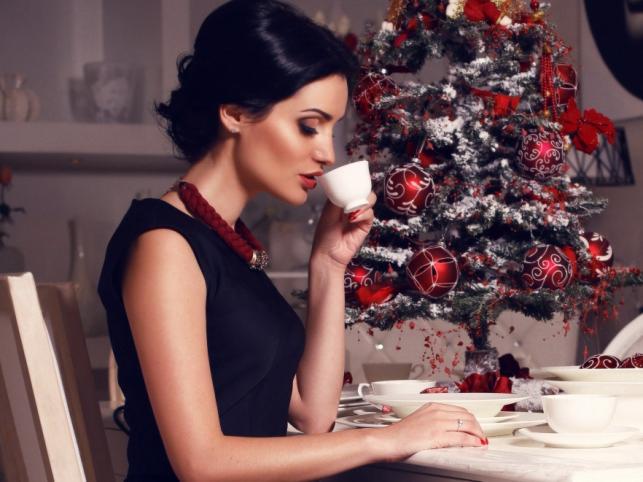 Jaki makijaż będzie najlepiej pasował na świąteczne przyjęcia?