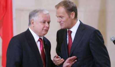 Tusk wyciąga do Kaczyńskich rękę na zgodę
