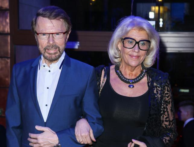 "Björn Ulvaeus i Lena Kallersjo na premierze musicalu ""Mamma Mia!"" w Teatrze ""Roma"""