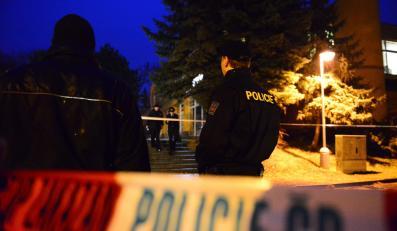 Czeska policja przy restauracji, w której doszło do strzelaniny