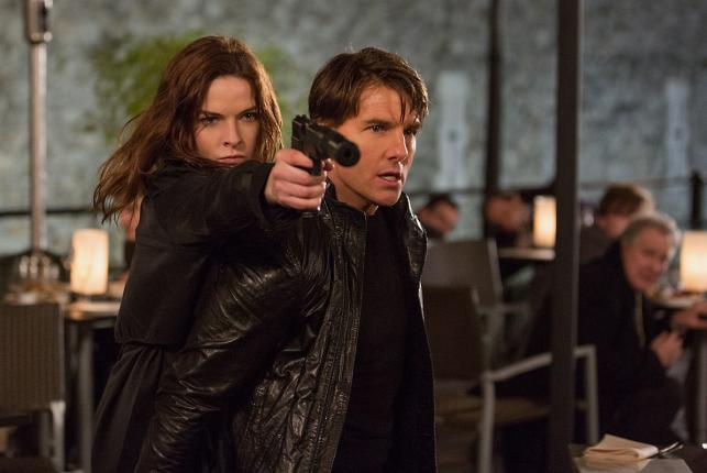 "Rebecca Ferguson i Tom Cruise w filmie ""Mission: Impossible – Rogue Nation"""