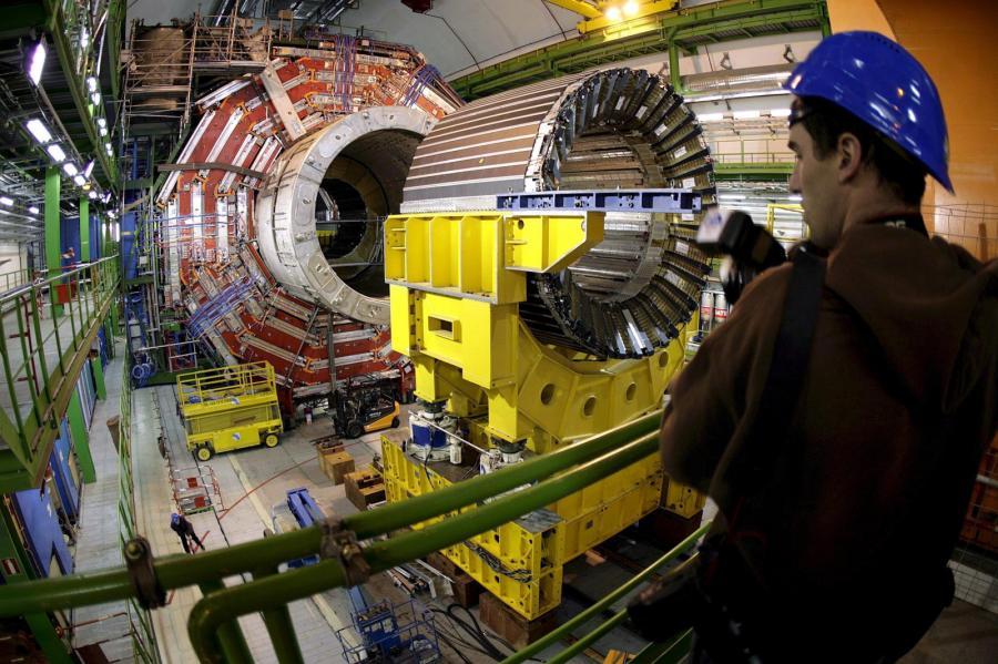 Wielki Zderzacz Hadronów znów działa