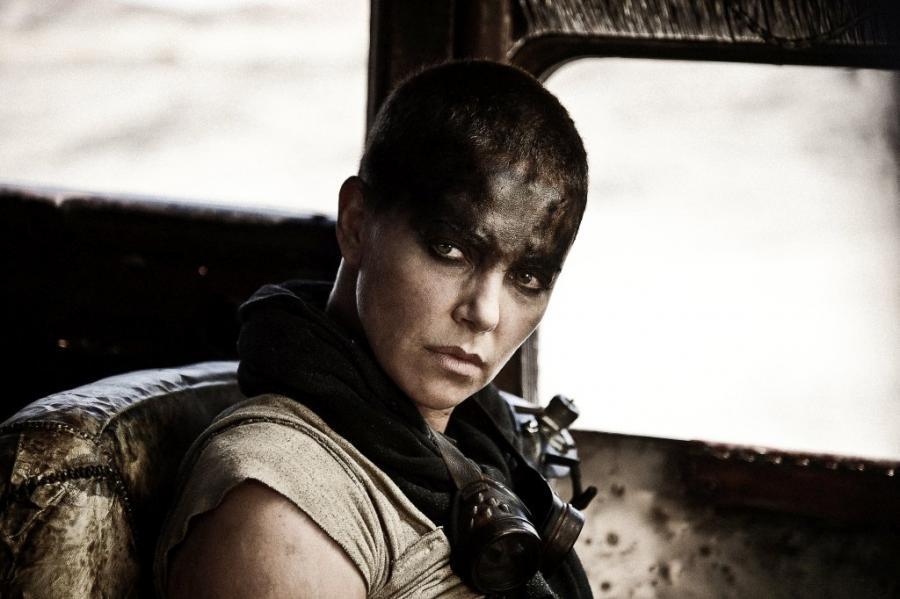 "1. ""Mad Max: Na drodze gniewu"""