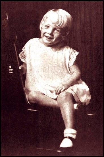Marilyn Monroe w dzieciństwie