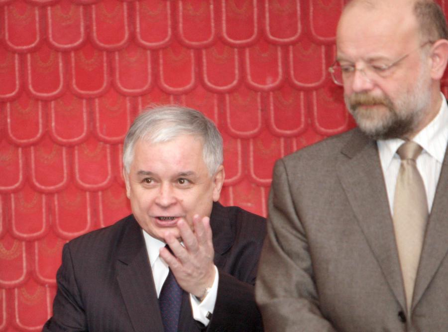 Prezydent wyrzucił Kownackiego przez kobietę