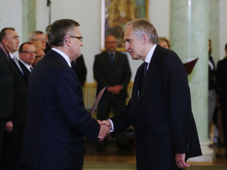 Prezydent Bronisław Komorowski powołał profesora Mariana Zembalę na stanowisko ministra zdrowia