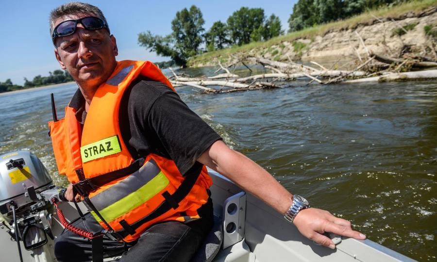 Ratownicy szukają zaginionych dzieci