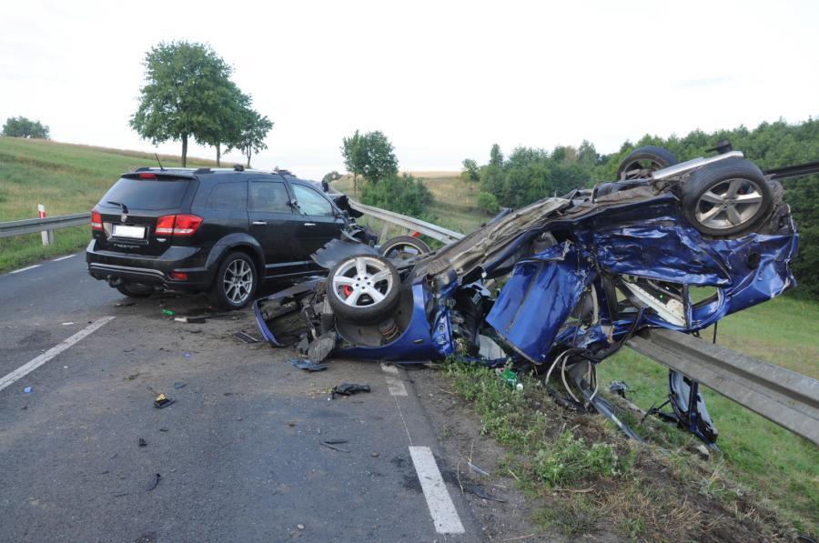 Auta zniszczone w wypadku w Brdowie w Wielkopolsce