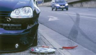 Zniszczony samochód