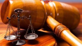 Sąd uniewinnił znanego adwokata