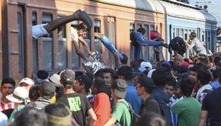 Imigranci na stacji Geveglija w Macedonii