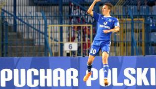 Piłkarz Ruchu Chorzów Patryk Lipski cieszy się z gola podczas meczu 1/16 finału Pucharu Polski z Wisłą Kraków