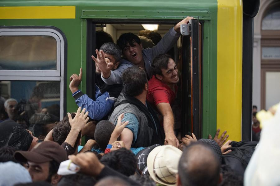 Uchodźcy na dworcu Keleti w Budapeszcie