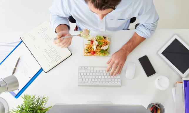 Jedz te produkty, jeśli chcesz mieć lepsze wyniki w pracy