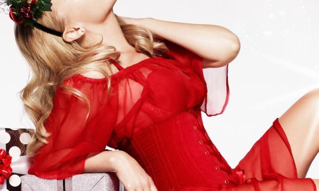 Kylie Minogue jak seksowna pomocnica (Nie)Świętego Mikołaja [ZDJĘCIA]