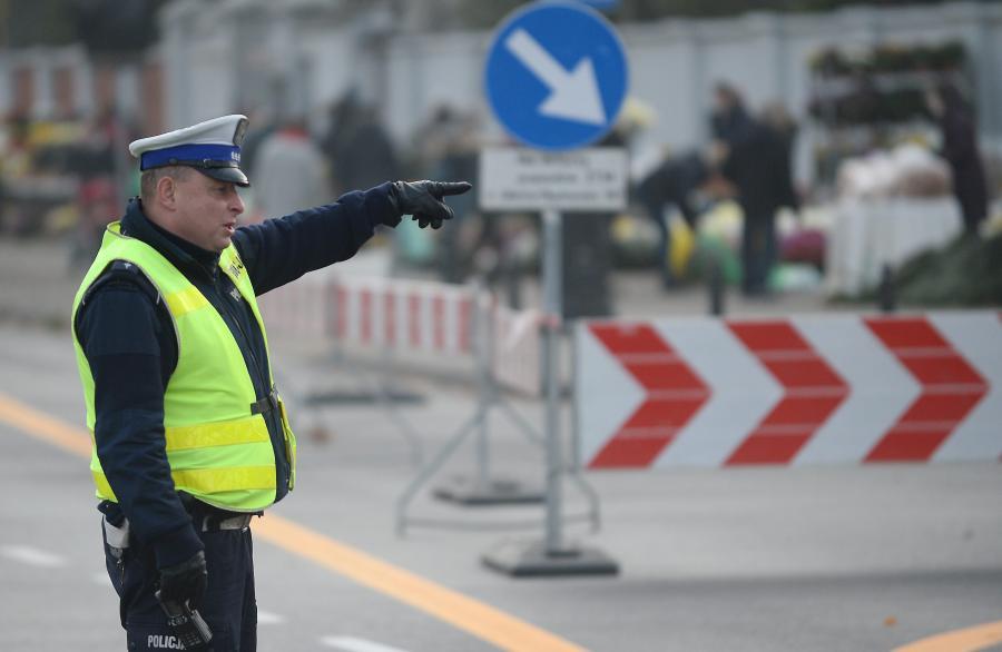 Policjant na ulicach Warszawy