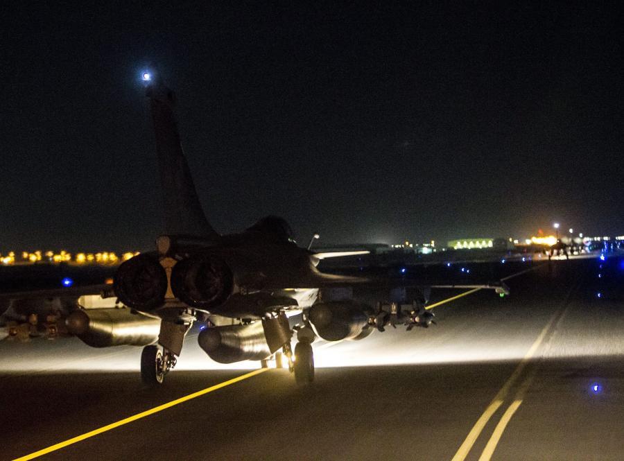 Francuskie myśliwce atakują cele w Syrii