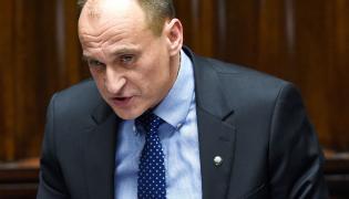 Lider Ruchu Kikiz'15 Paweł Kukiz przemawia podczas debaty nad expose
