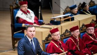 Prezydent Andrzej Duda przemawia na inauguracji roku akademickiego na Uniwersytecie Jagiellońskim