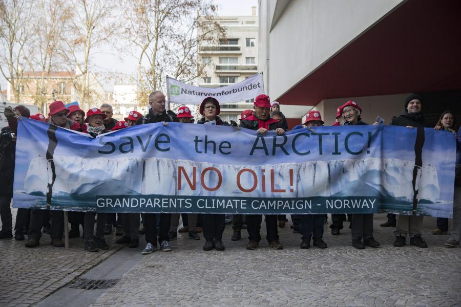 Protesty przed szczytem klimatycznym