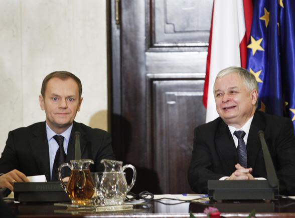 Prezydent broni Tuska przed stoczniowcami