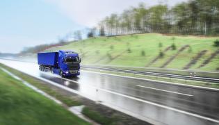 Ciężarówka TIR transport